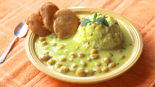 Prabhupadas chickpeas in golden karhi sauce kas treats and prabhupadas chickpeas in golden karhi sauce forumfinder